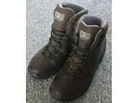 Unworn scarpa gtx boots