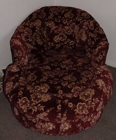 Lovely Red & Gold Cuddle Chair