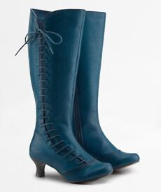 Joe Brown Remarkable lace boots current stock Teal size 6