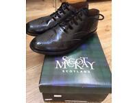 Size 7.5 men's leather ghillie brogues, kilt shoes.