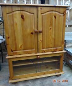TV DISPLAY SOLID PINE CABINET