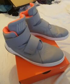 New back to the future film style nike trainers size 8 1/2