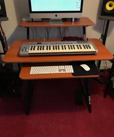 Quicklok Z-250 Studio Desk