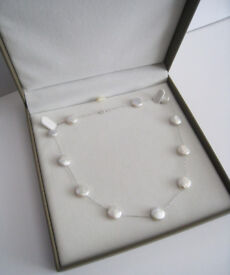 NEW ( with box ) - Lovely 14CT White Gold Pearl Necklace.