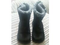 Girls next black/knitted boots size 6
