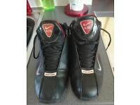 Nike air shox size 8 excellent condition worn once