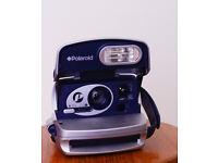 Polaroid instant camera (600 film) - working order