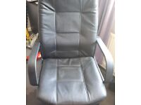 Black office swival chair VGC