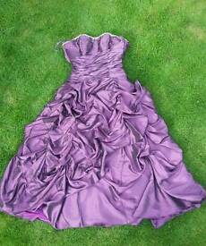 Event's evening gown (needs new zip)