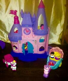 Ono! Little people castle comes with acces all working batteries still have life