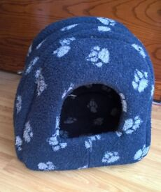 Igloo bed for cat or small dog