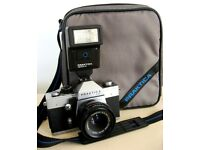 PRAKTICA LTL & CARL ZEISS TESSAR f2.8 50mm LENS + FLASH & CARRYING CASE £35