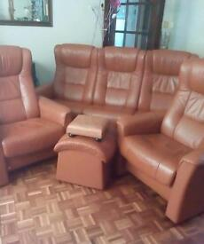 Leather Norwegian suite same as Stressless 3seater 2chairs and footstools