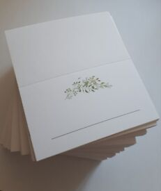 Leaf garland place cards perfects for a wedding, party, baby shower etc.