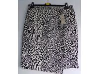 Ladies white and black print skirt from Matalan BNWT
