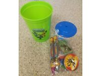 Skylander set of three gift beakers with toys party favours