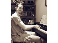 Piano Lessons from Concert Pianist wishing to teach piano at all levels