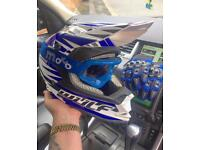 Wulf Motocross Helmet Goggles & Gloves Size Large New Condition