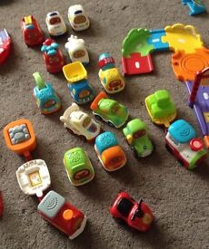 VTECH complete four different sets with 16 vehicles. Immaculate working condition.