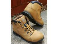 Safety shoes with steel toe, size 8