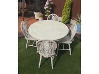 Round Farmhouse Dining Table & 4 Chairs