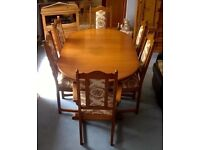 OLD CHARM LANCASTER EXTENDABLE DINING TABLE WITH 6 CHAIRS incl 2 CARVERS SET SUITE