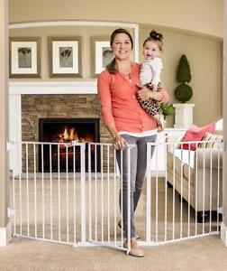 New, Regalo Flexi Extra Wide Baby Gate - Model #1175