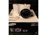 Samsung NX1000 camera DSLR 20-50mm lens
