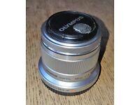 Olympus 45mm 1.8 M.Zuiko Digital Prime lens
