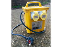 Transformer 230v to 110volt Transformer 3.3 KVA, twin 16v outlet - DIY Site Builder Electric Power