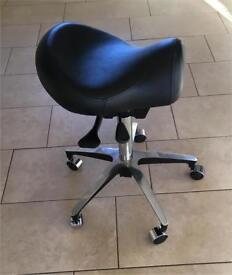 Nearly new saddle stool