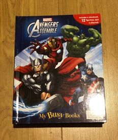 Marvel Avengers Assemble Storybook, 12 Figurines and a Playmat
