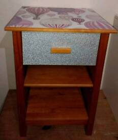 1 DRAWER/ SHELF BEDSIDE WITH BALLOON DESIGN ON TOP & SILVER DRAWER