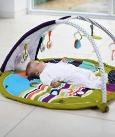 Magic Stargaze Light & Sound Playmat and Baby Gym