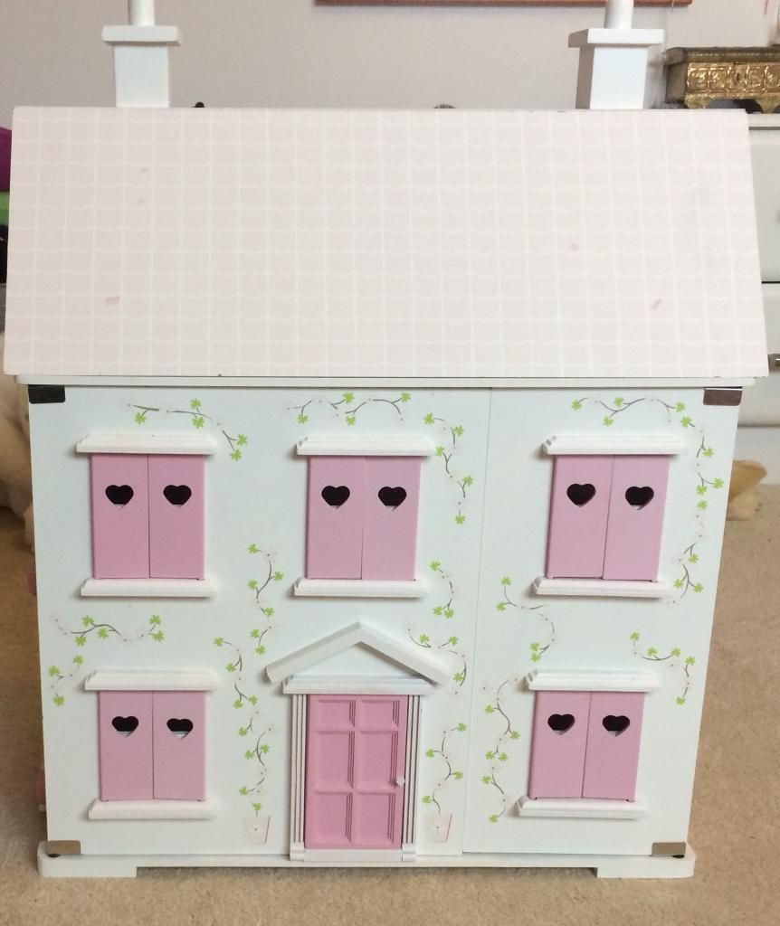 Dolls House (wooden painted) and internal parts