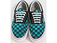 Men's Size 7.5 Vans Trainers - Turquoise and Black Checkered - Open to Offers