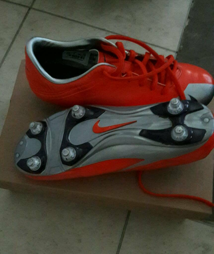Nike mercurial football boots size 5