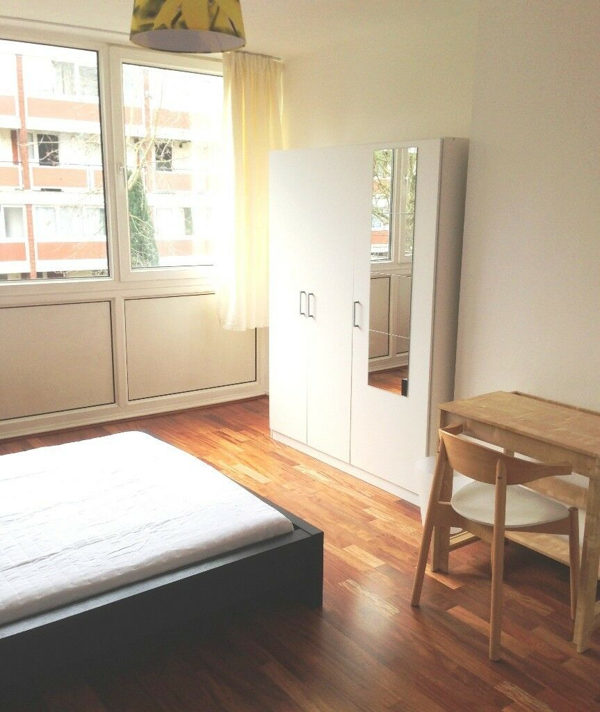 Very Big double room in friendly houseshare available (bills included).