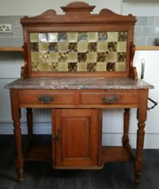 Antique wash stand with marble top, original tiling and in good condition