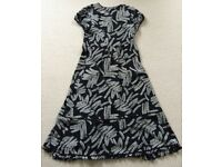 WHISTLES BLACK AND WHITE DRESS SIZE 10