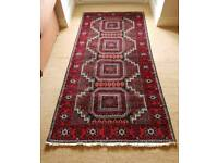 Good quality wool rug in excellent condition ( 222 x 106 cm )