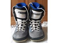 SNOWBOARDING BOOTS BY SKYWALK. SIZE 6-6.5. BLUE