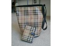 Authentic Vintage Burberry Bucket Bag & matching Purse with Black Trim