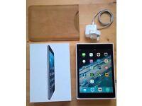 iPad Mini 2 Retina 32GB Mint Condition - Original Box & Charger