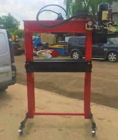 35 ton Hydraulic press 240volt