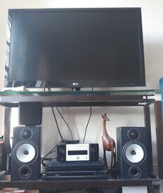 Marantz MCR610 stereo complete with speakers