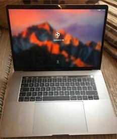MacBook Pro 15 (2017) i7 256GB SSD