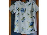 Blue floral cotton/linen tunic / blouse