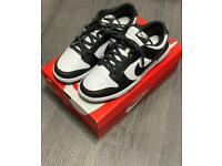Nike Dunks Low UK 9