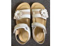 Girls' Start Rite white leather sandals - Size 1F